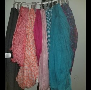 Accessories - Scarf lot - 8 scarves